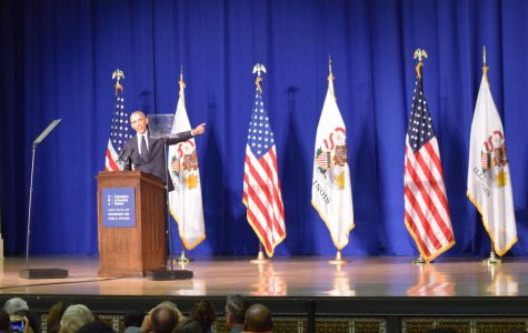 Obama encourages University of Illinois students to vote